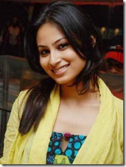 kailasanathan_serial_fame_mouni_roy_cute_photo