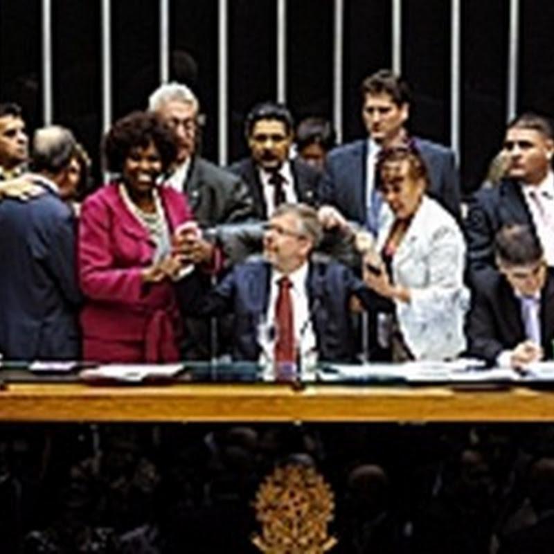 Câmara aprova PEC das Domésticas em primeiro turno