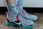 nike basketball elite lebron socks southbeach 1 02 Matching Nike Basketball Elite Socks for LeBron 9 Miami Vice
