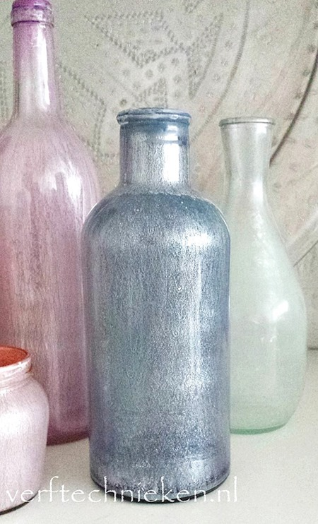verftechnieken.nl - parelmoer flessen blauw-roze