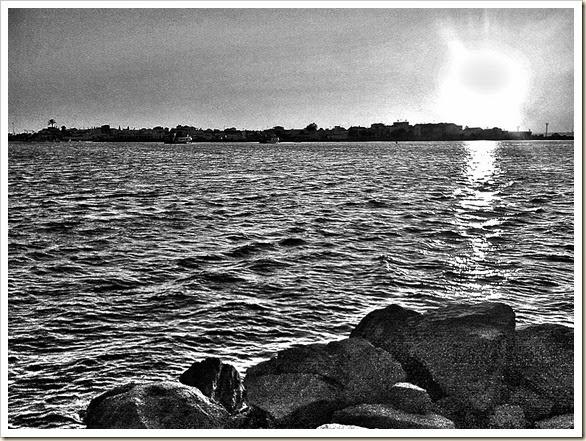 El mar murmura