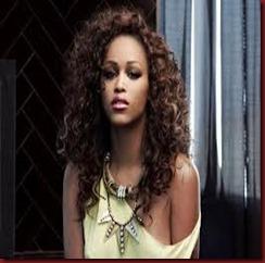 Eve rapper curls rock