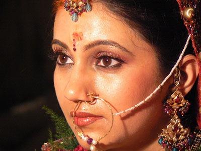 [india-woman-gold%255B5%255D.jpg]