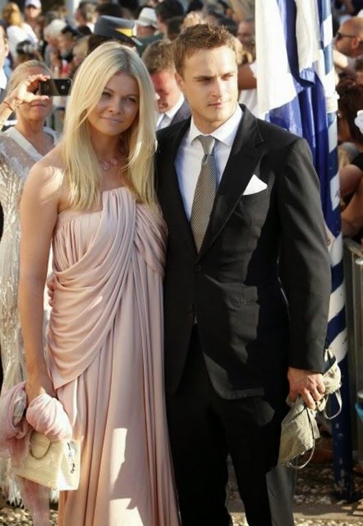 La ex modelo y estilista Jemma Kidd y su marido Arthur Wellesley, a su llegada a la iglesia Agios Nikolaos d