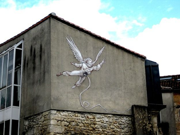 Street Art French Angouleme  Flying angel.png