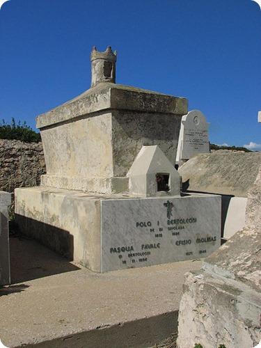 Tavolara_King's_grave