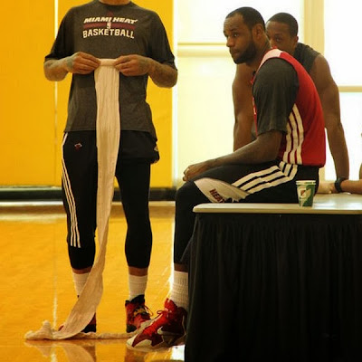lebron james nba 131212 practice 01 King James Back to Testing Nike LeBron 11 in Practice