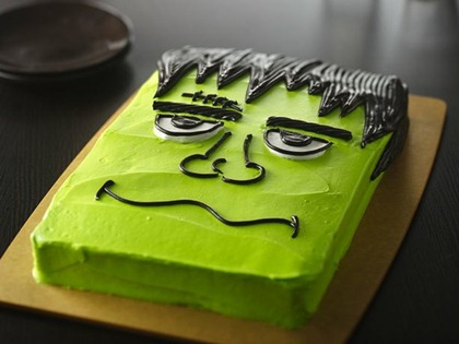 frankenstein-halloween-cake