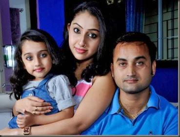 nithya-das-family