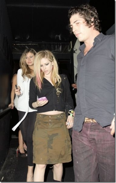avril-lavigne-boyfriends-3