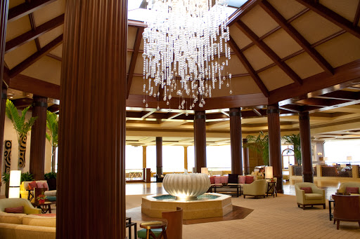 Lobby facing Makana Terrace