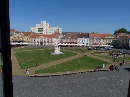 Things to see in Timisoara: Unirii Square