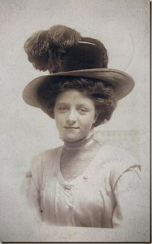 Grma Gould-1912-headshot