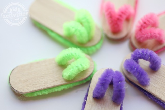 Craft-Stick-Flip-Flop-Pairs-Kids-Activities-Blog