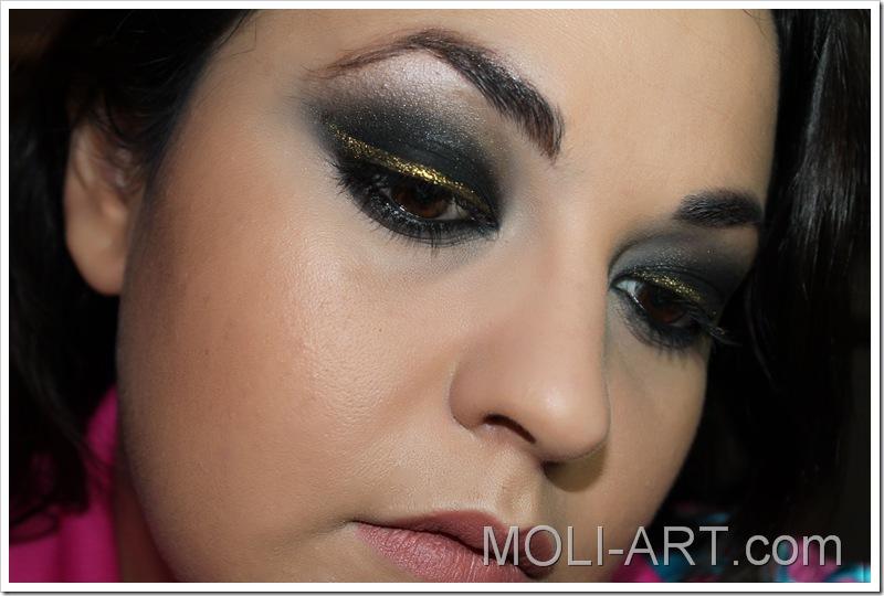 maquillaje-negro-y-dorado