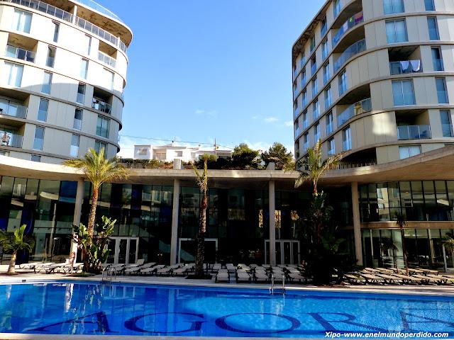 piscina-hotel-agora-peñiscola.JPG
