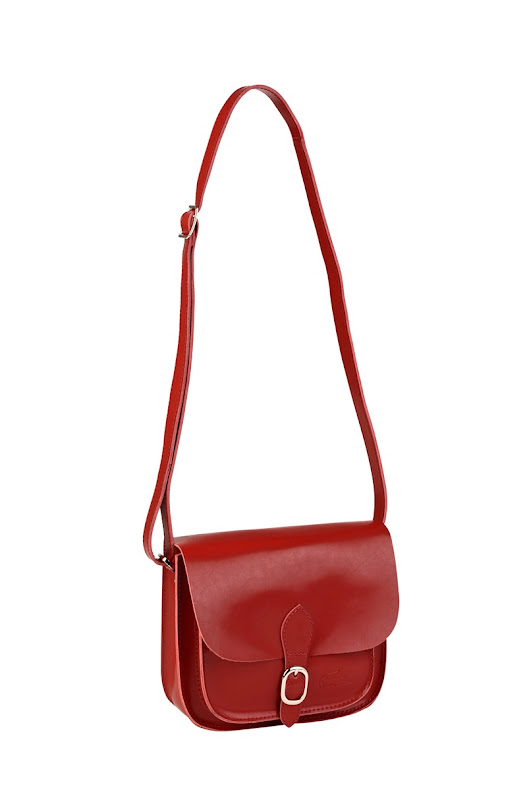 Mini Bag a tracolla in cuoio con chiusura magnetica