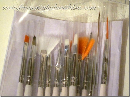 Detalhe kit pincéis nail art