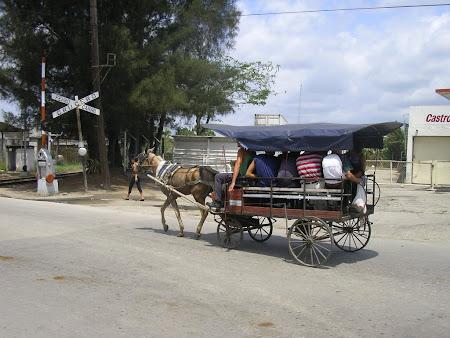 Cuba: Public transportation in Santa Clara