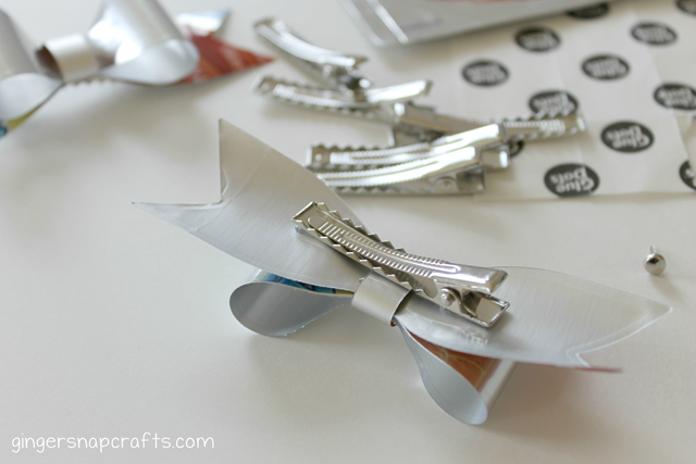 how to make clippies with Capri Sun drink wrappers
