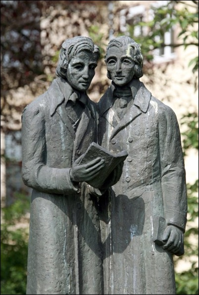 The monument to the brothers William and Jacob Grimm, the Brothers Grimm in Kassel court.