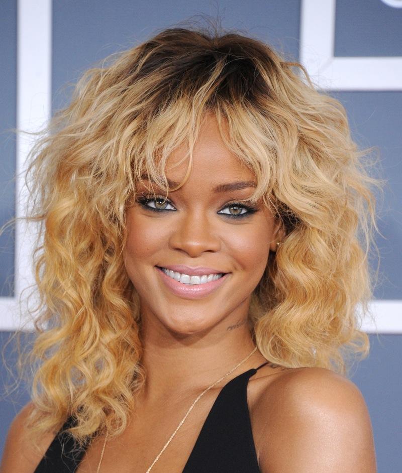 164511371 Rihanna Grammys GC CelebUtopia 005 122 1167lo