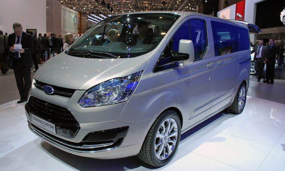 2013 Ford Transit'in Habercisi Olan Yeni Tourneo Custom Consept