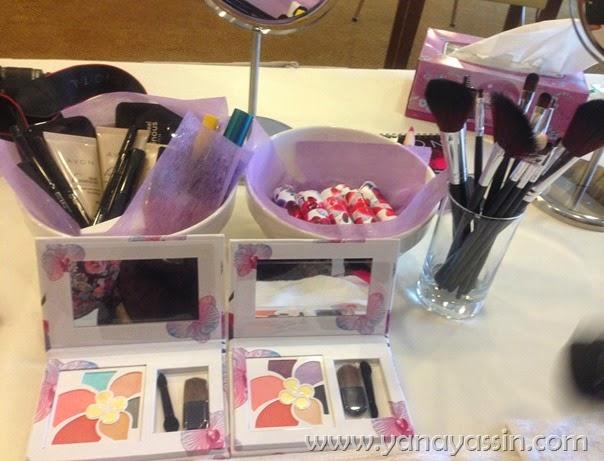 Kosmetik AVON MAlaysia