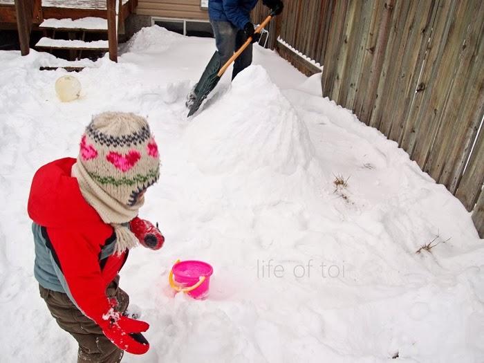 making of snow blob