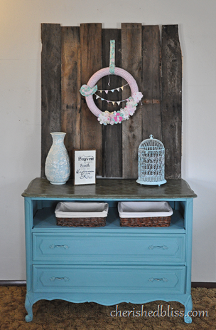 Pallet Wood Art Dresser