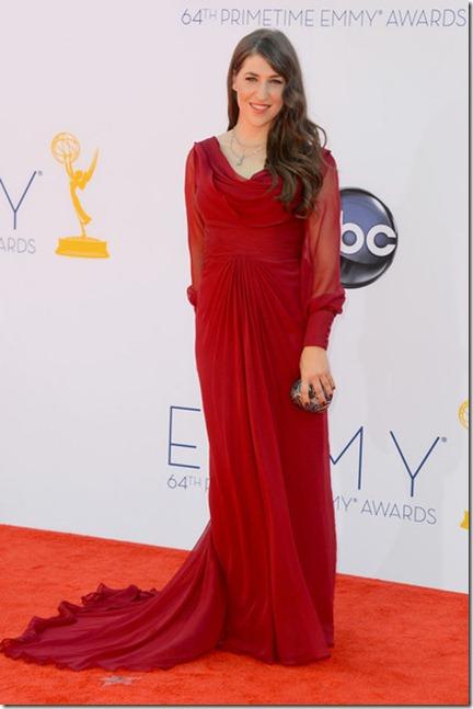 64th Annual Primetime Emmy Awards Arrivals RZ_2pjoZa-il