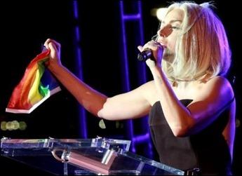 Lady Gaga hino americano