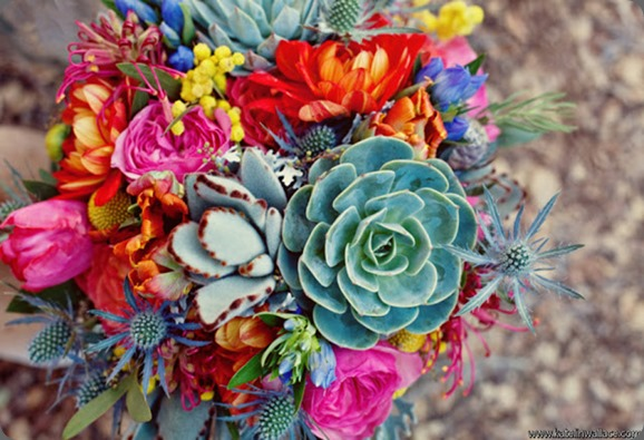 3-Bos_Bos_Katelin_Wallace_Photography_BohemianInspiredBrideforGWS12_low art with nature