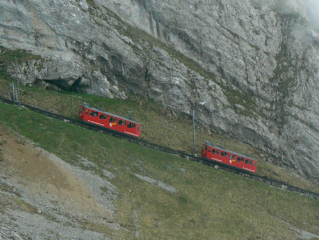 Transport Elvetia: trenul cu cremaliera de la Pilatus