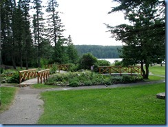 2258 Manitoba Riding Mountain National Park - Wishing Well gardens & Clear Lake