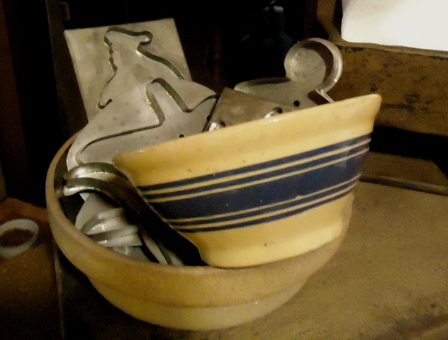 [New%2520blue%2520stripe%2520bowl%25201%255B3%255D.jpg]