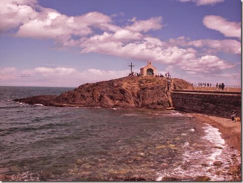 Une ermitage sur une falaise à Collioure