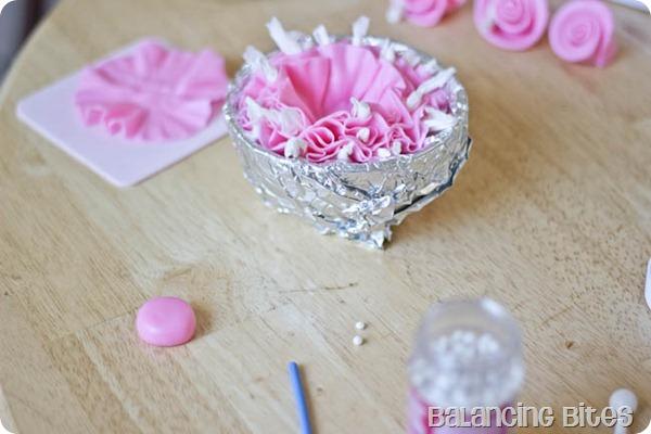 How to make a fondant ruffle flower 5