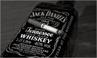 black-and-white-jack-daniels-marlboro-smoke-Favim.com-344725