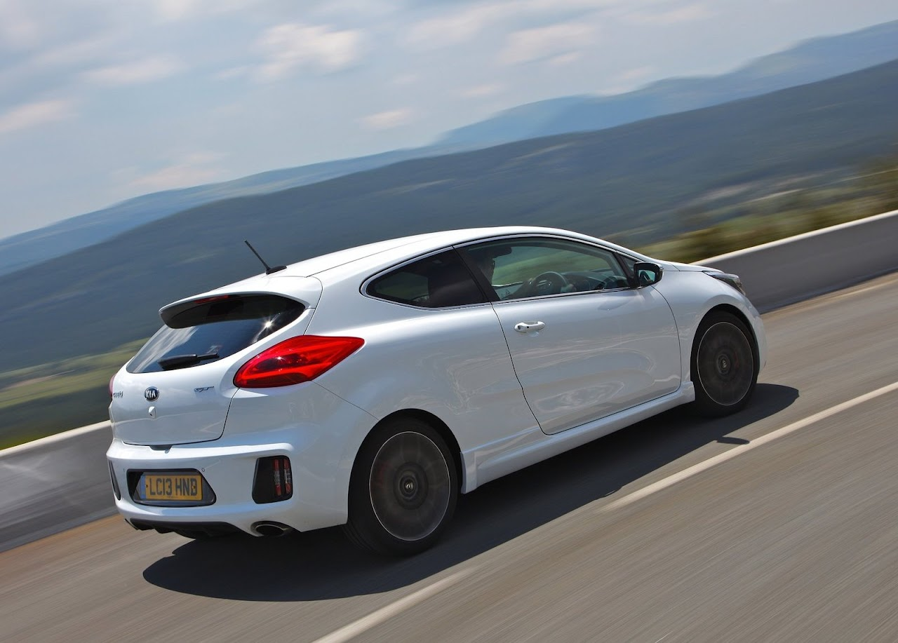 Yeni-Kia-Pro-Ceed-GT-2014-43.jpg