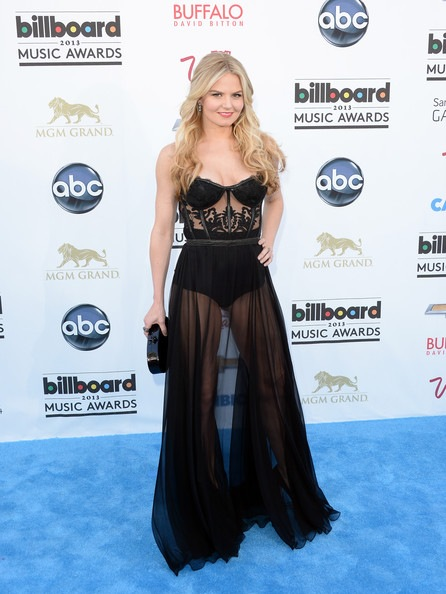 Jennifer Morrison arrives at the 2013 Billboard Music Awards