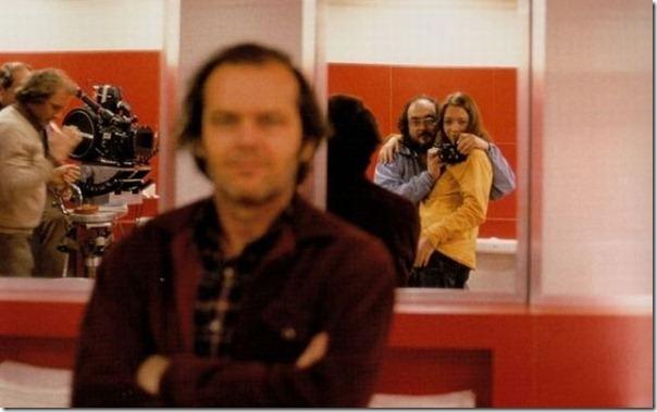 O Iluminado - Stanley Kubrick tirando uma foto com sua filha, Jack Nicholson, e a equipe