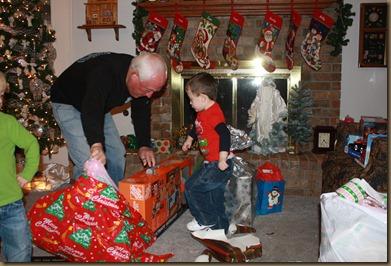 BB & Papa Christmas 044