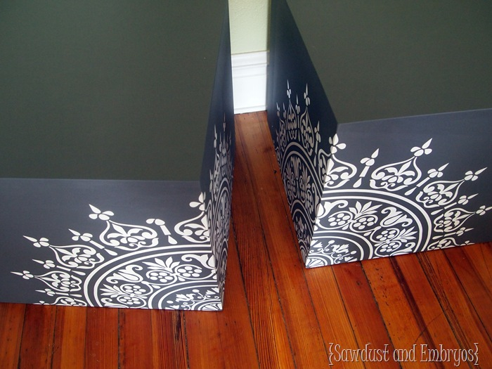 Chalkboard End Table Cubes {Sawdust & Embryos}
