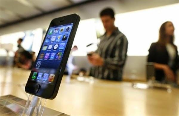 Iphone5 store australia reuters