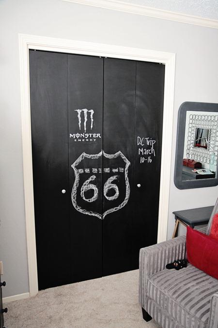 chalkboardcloset4