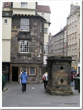 The Netherbow Wellhead is the last remnant of the Old Towns water reticulation system.