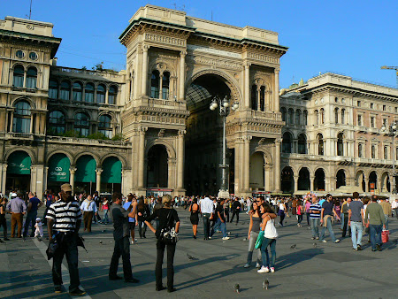 Things to do in Milan: stroll The Vittorio Emanuele Galleries