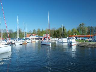 marina nad jeziorem Niegocin