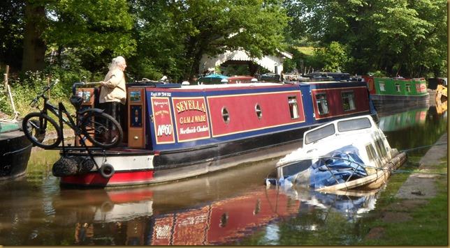 SAM_5720 Sunken Boat